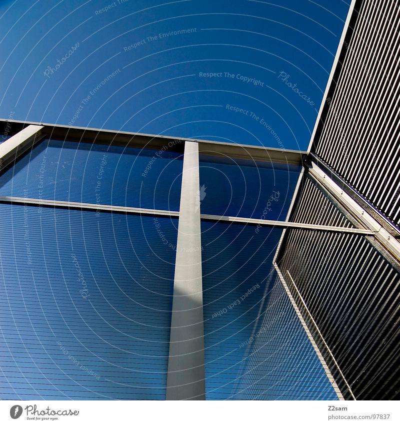 L.S.W Gebäude Wand Reflexion & Spiegelung Muster Geometrie Stil sehr wenige einfach modern lärmschutzwall Baustelle Glas Glasfassade Himmel blau Metall Linie