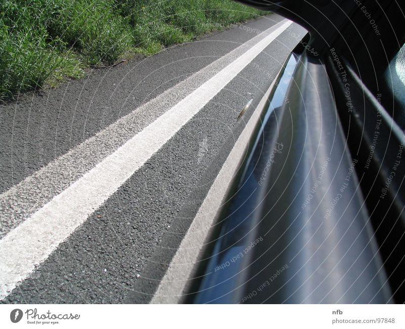 Stillstand Autobahn Asphalt Seitenstreifen Wiese Verkehrswege Straße PKW Tür Farbe