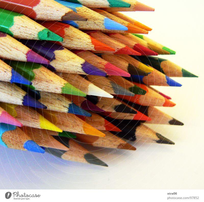 wo gehts zum ausmalen? Farbe Holz Zusammensein verrückt mehrere Spitze Dinge streichen viele zeichnen Schreibstift Regenbogen Haufen Farbstift Wurfspieß