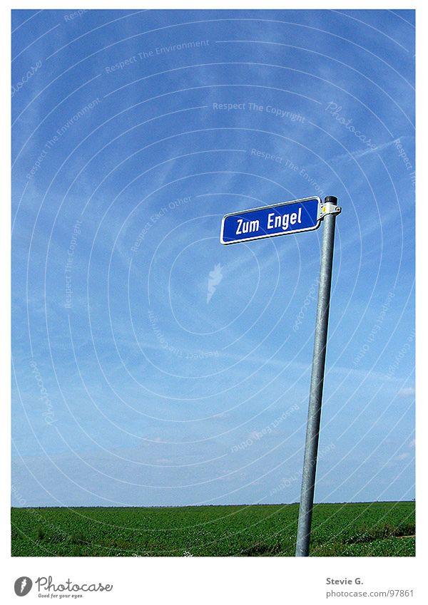 Zum Engel da lang Schilder & Markierungen Wolken Wiese Sommer Ferien & Urlaub & Reisen Straßennamenschild Landschaft Himmel