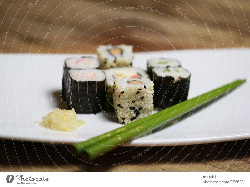 SUSHI Lebensmittel Ernährung Essen Mittagessen Abendessen Fingerfood Sushi Asiatische Küche Gefühle Stimmung Appetit & Hunger Snack stäbchen Teller Ingwer