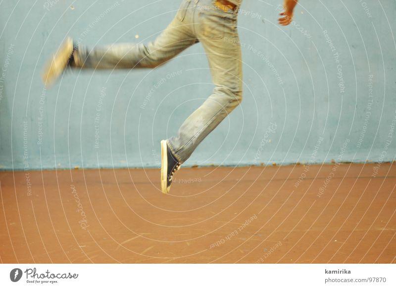fortsetzung Bewegung springen Tanzen ästhetisch Jeanshose Tapete Turnschuh Künstler Turnen üben Breakdancer Sporthalle Achtziger Jahre Tänzer
