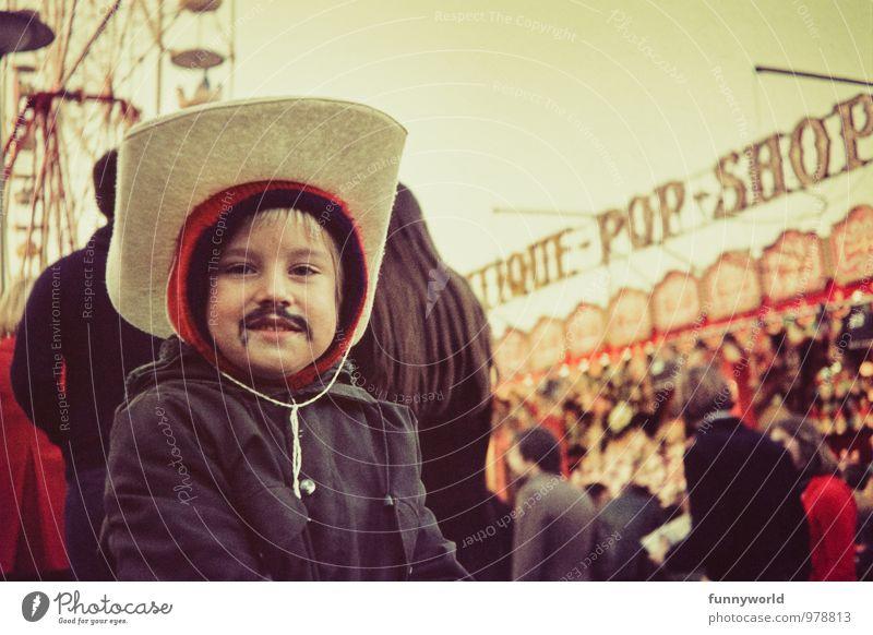Cowboy und Zorro Feste & Feiern Karneval Jahrmarkt Kind Junge 1 Mensch 3-8 Jahre Kindheit Hut Cowboyhut Freude Schminke Schminken Bart Oberlippenbart Popkultur