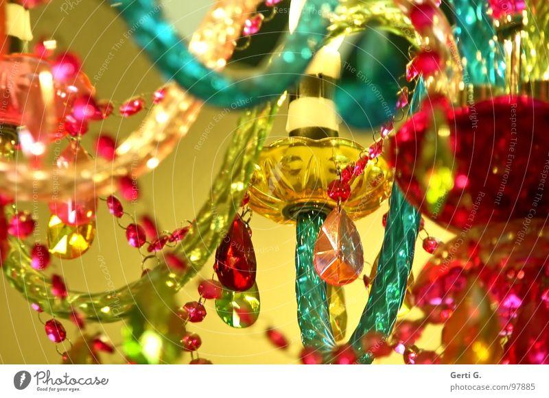 Kunta Bunta grün rot gelb Lampe Glas Design Kitsch Schmuck türkis trashig Kette Perle Kunsthandwerk Acryl Kronleuchter Perlenkette