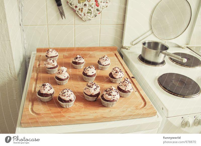 ich habe gebacken! Lebensmittel Milcherzeugnisse Teigwaren Backwaren Dessert Süßwaren Muffin Cupcake Schokoladenstreusel dunkel lecker süß Törtchen Bäckerei