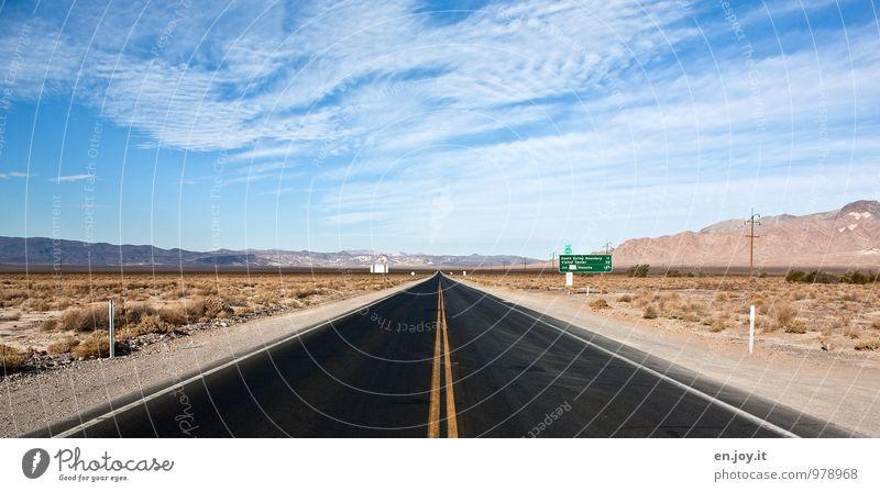 heißes Pflaster oder auch Highway To Hell Himmel Natur Ferien & Urlaub & Reisen blau Einsamkeit Landschaft Ferne schwarz Straße Freiheit braun Horizont
