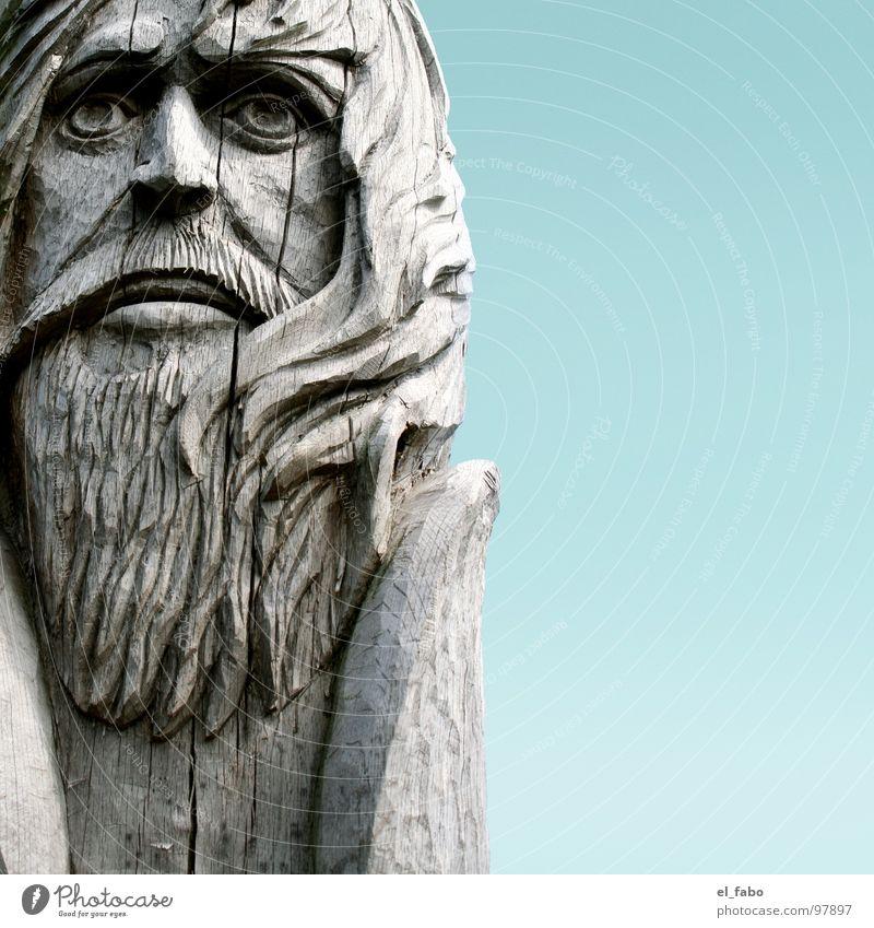 häuptling rote locke alt Baum Holz Haare & Frisuren Bart Statue Riss Skulptur Rügen Völker morsch Wikinger