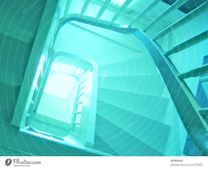Wo führt der Weg uns hin?? blau Haus Treppe modern geheimnisvoll durcheinander Spirale Achterbahn