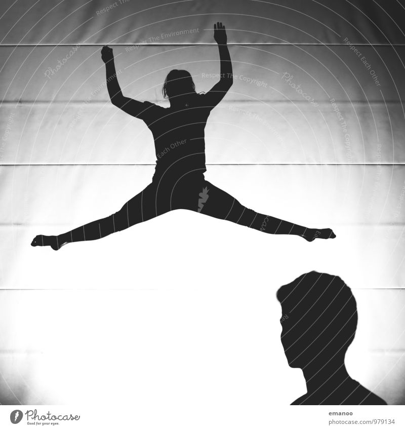 Grätschzuschauer Mensch Jugendliche Freude Leben feminin Sport fliegen springen Lifestyle Freundschaft maskulin Freizeit & Hobby Kraft Körper Erfolg Tanzen