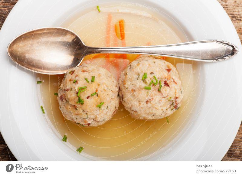 two of a kind Lebensmittel Fleisch Abendessen Bioprodukte Teller Messer Billig gut Ehrlichkeit Speck Suppe Suppenteller Suppengemüse Speckknödel Knödel Einlage