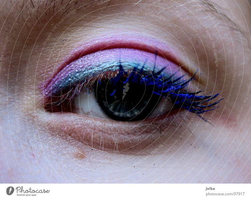 die wilden 80er Gesicht Schminke Wimperntusche Mensch Frau Erwachsene Auge blau grün violett rosa geschminkt Lidschatten magenta face faces eye eyes lash lashes