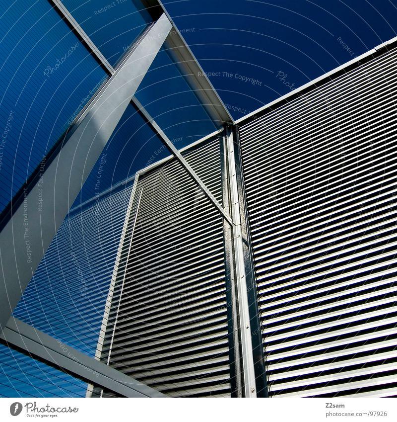 L.S.W II Gebäude Wand Reflexion & Spiegelung Muster Geometrie Stil sehr wenige einfach modern lärmschutzwall Baustelle Glas Glasfassade Himmel blau Metall Linie