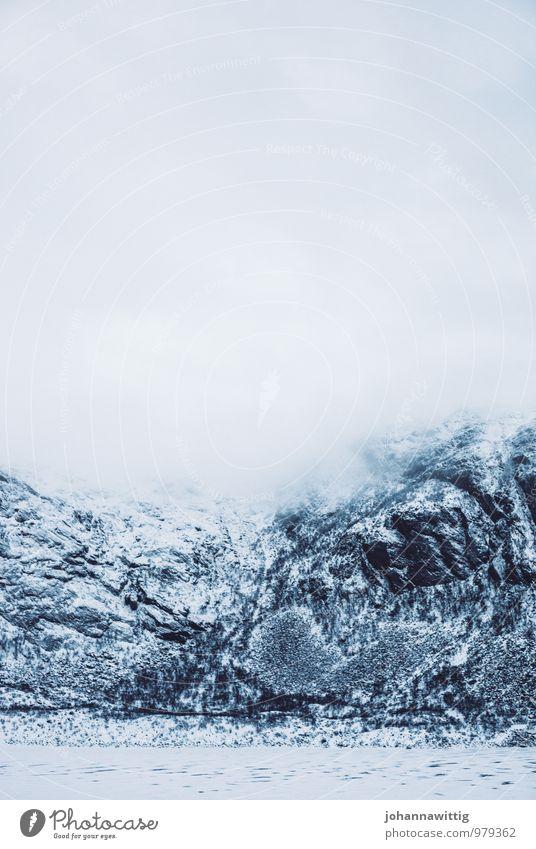 pure Himmel Natur weiß Wolken Winter dunkel kalt Umwelt Berge u. Gebirge Schnee grau träumen Eis Kraft Nebel authentisch
