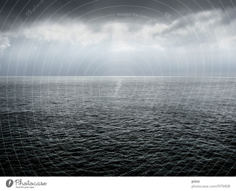 Nordsee Natur blau weiß Wasser Meer Einsamkeit Landschaft ruhig Wolken Ferne dunkel kalt Umwelt grau Horizont Luft