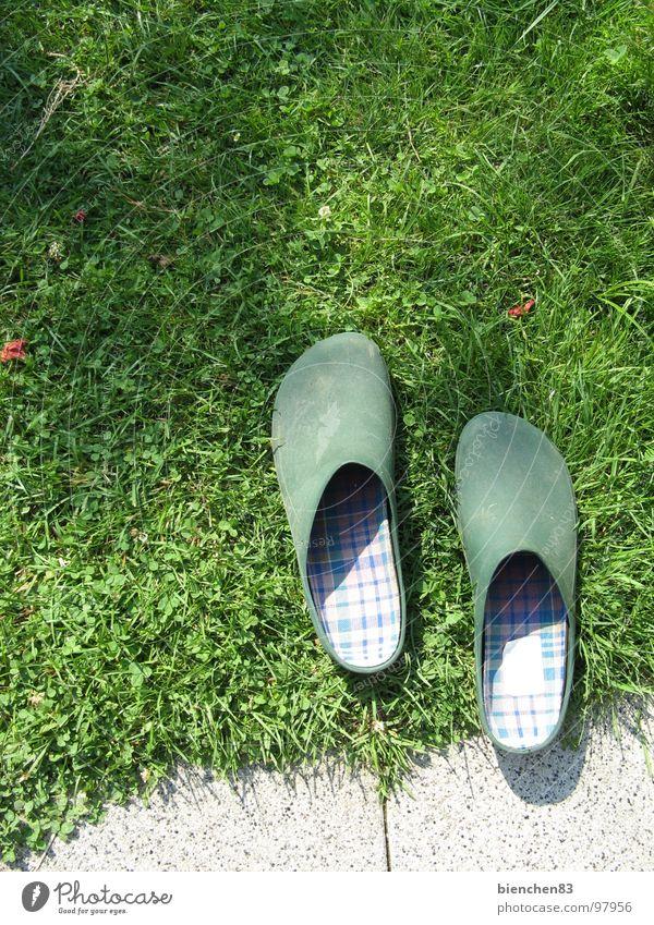 Gartenarbeit grün Park Schuhe Rasen Pause Freizeit & Hobby