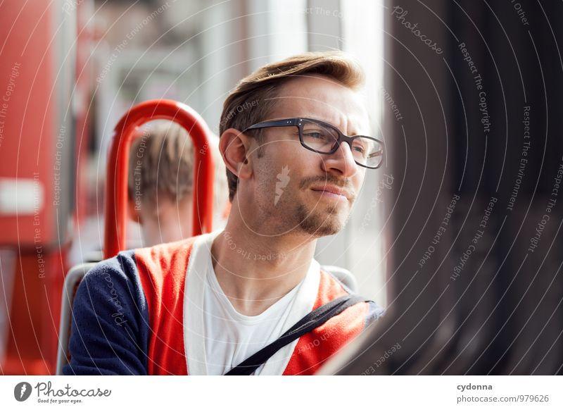Unterwegs Lifestyle Mensch Junger Mann Jugendliche Leben 18-30 Jahre Erwachsene Fenster Personenverkehr Öffentlicher Personennahverkehr Zufriedenheit Beratung