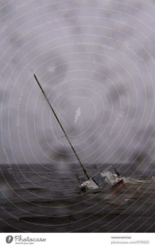 mayday Ferien & Urlaub & Reisen Wasser Meer Einsamkeit Wolken Freizeit & Hobby Regen Angst Wind Wassertropfen gefährlich Ausflug Abenteuer Hoffnung Todesangst