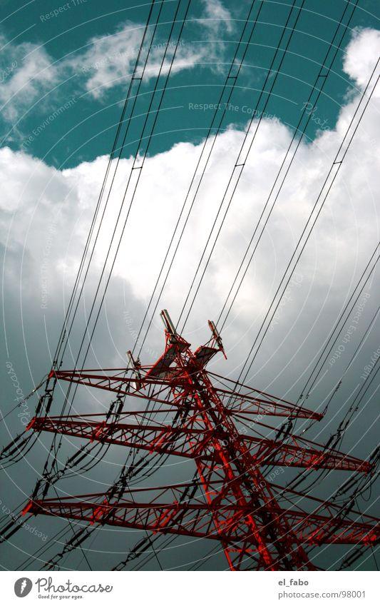 stromriese Strommast Elektrizität Wolken grün rot Eisen 08 15 Elektrisches Gerät Technik & Technologie Energiewirtschaft Himmel Industriefotografie Metall