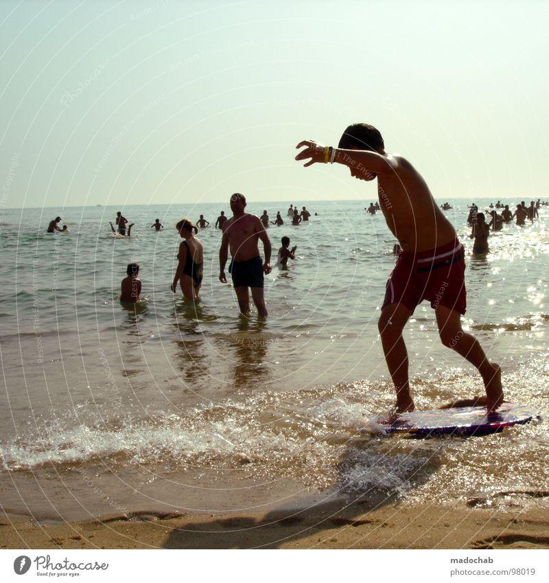 POSER Mensch Kind Mann Wasser Ferien & Urlaub & Reisen Sommer Strand Freude Erholung Spielen Bewegung Sand Beine Schwimmen & Baden Freizeit & Hobby mehrere
