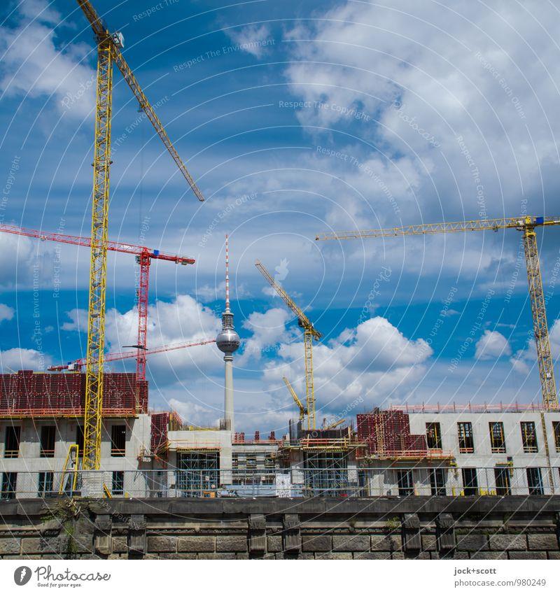 Luftschloss von Mitte Sightseeing Baustelle Baukran Wolken Sommer Berlin-Mitte Burg oder Schloss Kanal Wahrzeichen Berliner Fernsehturm bauen Bekanntheit