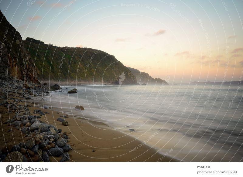 sanft Umwelt Natur Landschaft Sand Wasser Himmel Wolken Sonnenaufgang Sonnenuntergang Wetter Schönes Wetter Berge u. Gebirge Wellen Küste Strand Bucht Meer