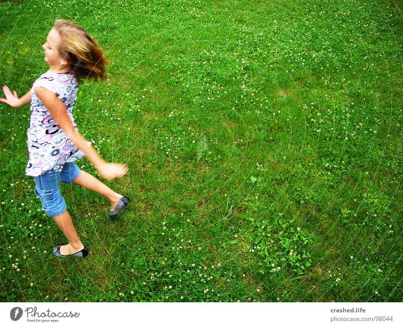 Watschelente Kind Jugendliche grün Mädchen Auge Haare & Frisuren lachen träumen blond Erde Nase rennen Fröhlichkeit Geschwindigkeit T-Shirt Top