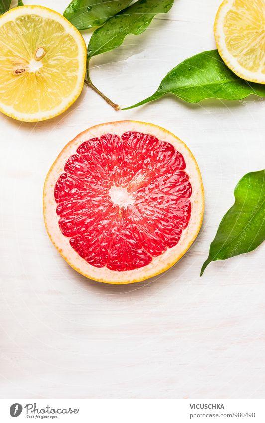 Grapefruit Scheibe mit Blättern und Zitrusfrüchte Natur weiß Gesunde Ernährung Blatt gelb Leben Foodfotografie Autofenster Stil Hintergrundbild Holz Lebensmittel rosa Design Frucht Ernährung