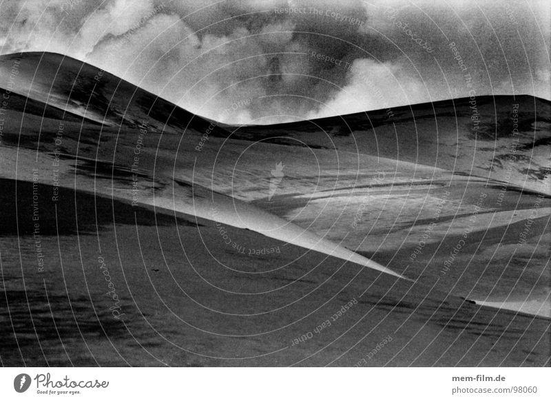 wüstenwolken 2 Himmel Ödland trist Außenaufnahme Wolken Strommast Steppe Utah dunkel USA Regen Amerika Gewitterregen Reiseroute Western Freiheit