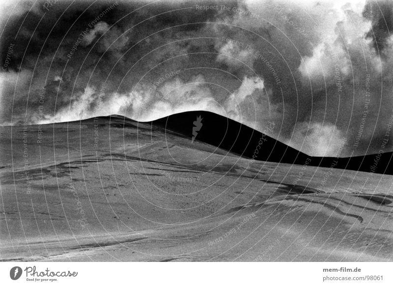 wüstenwolken 3 Natur Himmel blau Ferien & Urlaub & Reisen Wolken Straße dunkel Freiheit Sand Regen Erde trist USA Afrika Wüste Amerika