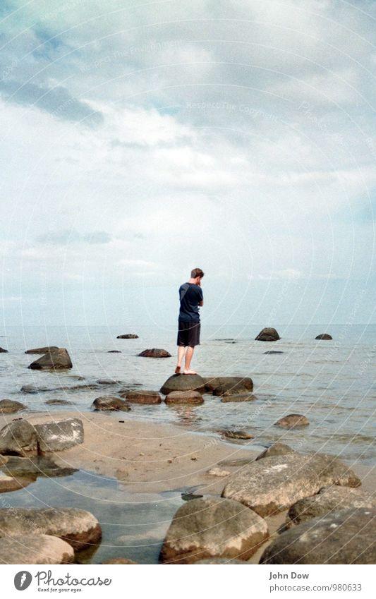 philosopher's stone Meer Insel Himmel Wolken Horizont Sommer Felsen Küste Strand Vorsicht ruhig Sehnsucht Heimweh Fernweh geheimnisvoll Hoffnung Idee