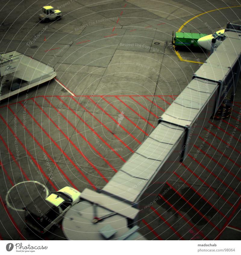 AIRPORT Ferien & Urlaub & Reisen Arbeit & Erwerbstätigkeit Linie Flugzeug Schilder & Markierungen Beton Verkehr Luftverkehr Beruf Streifen Flughafen Warnhinweis