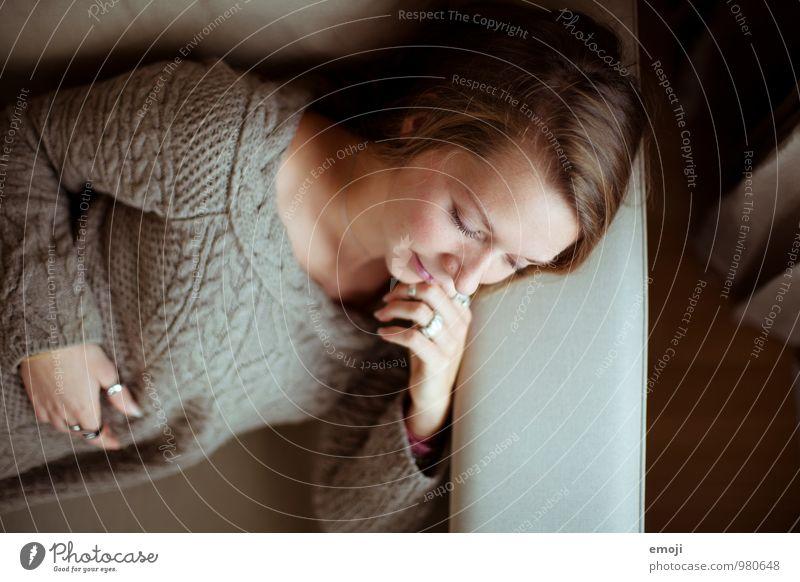 Malin feminin Junge Frau Jugendliche Gesicht 1 Mensch 18-30 Jahre Erwachsene schön liegen schlafen Farbfoto Innenaufnahme Tag Schwache Tiefenschärfe
