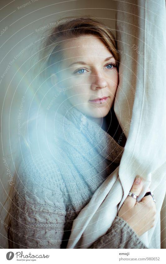 diamond. feminin Junge Frau Jugendliche Gesicht 1 Mensch 18-30 Jahre Erwachsene schön Farbfoto Innenaufnahme Tag Schwache Tiefenschärfe Porträt