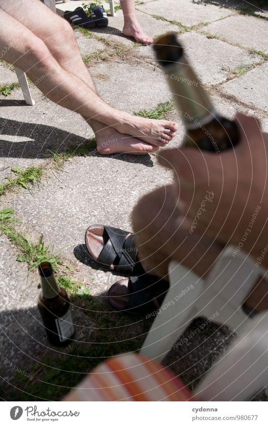 Sommerbier Mensch Ferien & Urlaub & Reisen Jugendliche Erholung ruhig Freude Junger Mann 18-30 Jahre Erwachsene Leben Freiheit Feste & Feiern Menschengruppe