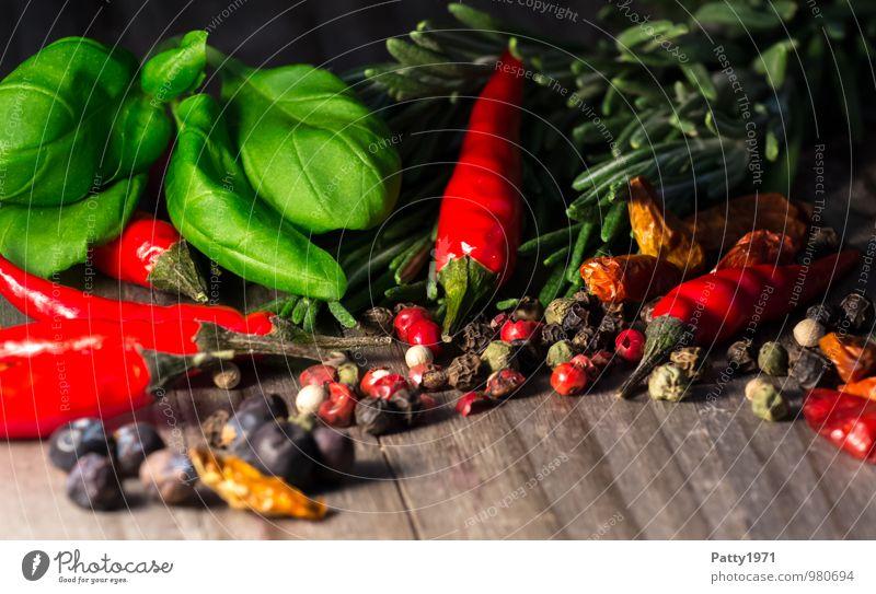 Scharf Holz Scharfer Geschmack Kräuter & Gewürze lecker Appetit & Hunger Duft aromatisch Chili Würzig Italienische Küche Basilikum Peperoni Rosmarin
