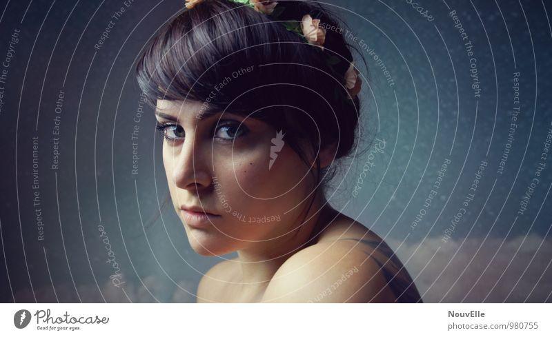 Interstellar. Mensch Frau Jugendliche schön Junge Frau Erholung ruhig 18-30 Jahre Erwachsene Gesicht feminin Stil Haare & Frisuren Angst elegant Wellness