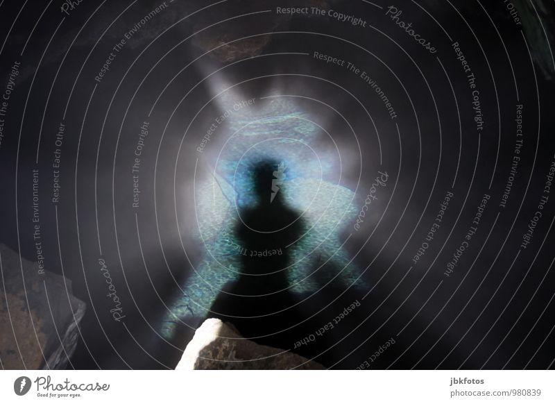 Heute Saunatag Mensch Natur Ferien & Urlaub & Reisen Jugendliche Wasser Junger Mann Umwelt Beleuchtung Felsen maskulin Körper Wellen Urelemente einzigartig