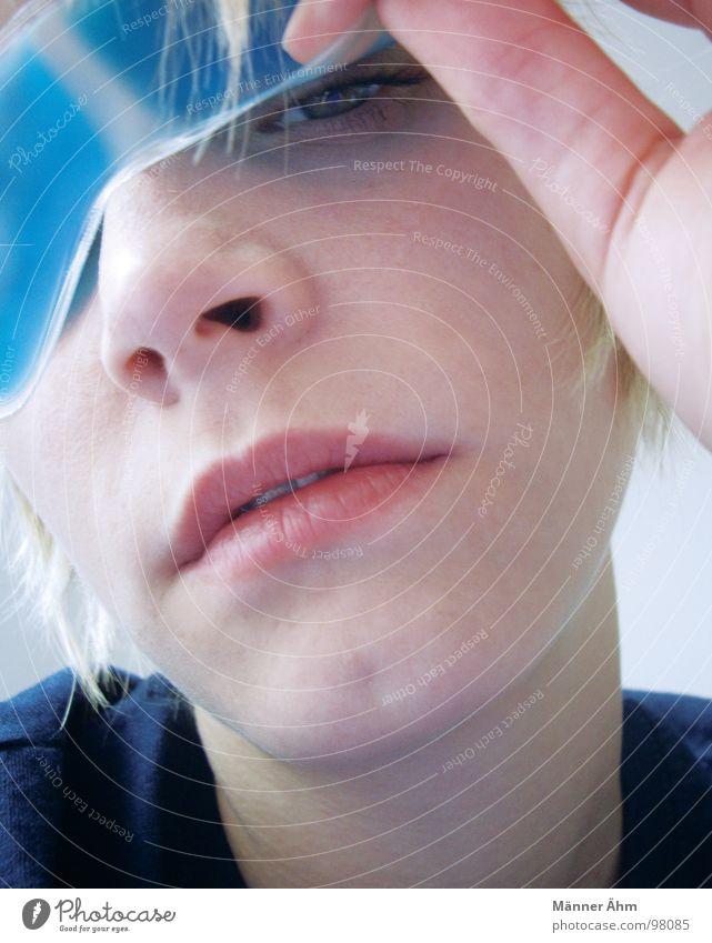 Muddä, nerv näd. Frau blau Hand Gesicht Haare & Frisuren Maske Schlafzimmer Kühlung aufstehen