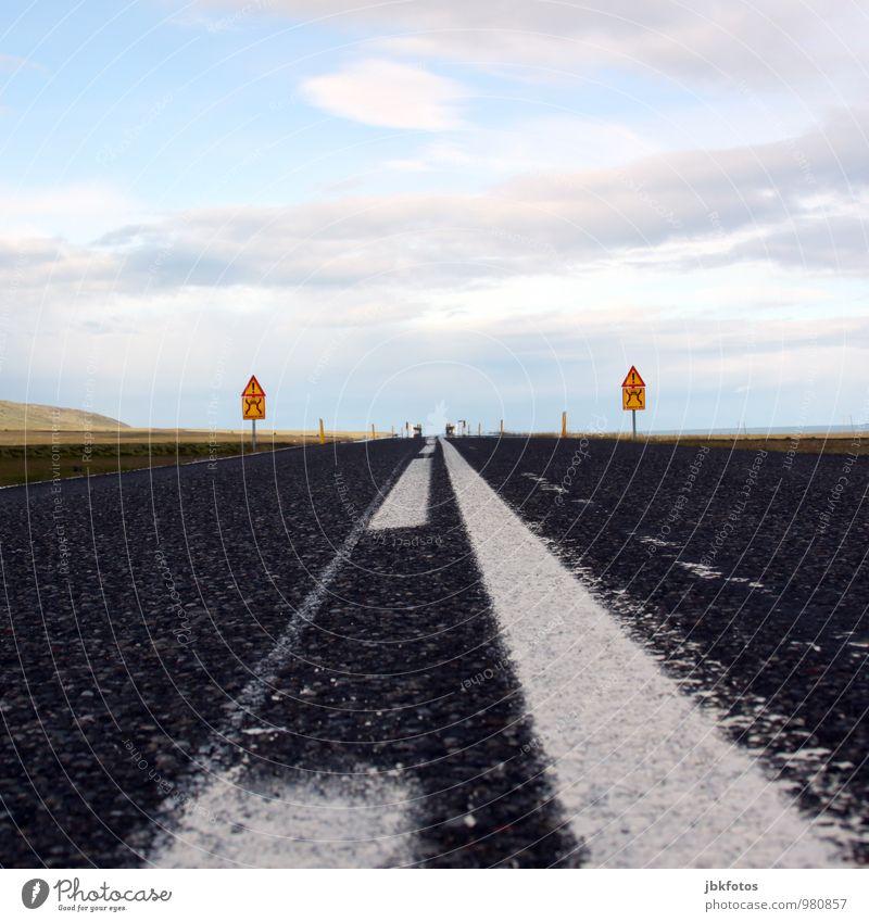 FROHES FEST / EINBREIÐ BRÚ Umwelt Natur Landschaft Island Europa Verkehr Verkehrswege Autofahren Straße Brücke Originalität Straßenschild Asphalt Mittelstreifen