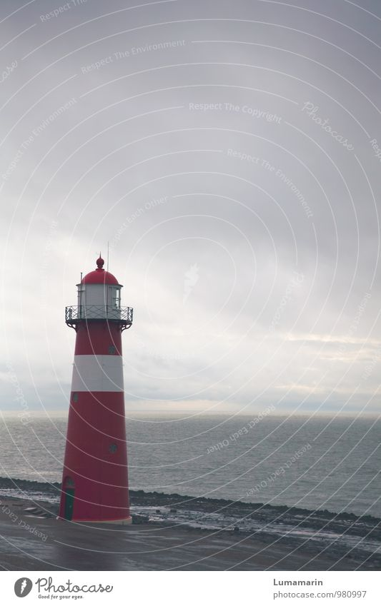 Zeeland Himmel Ferien & Urlaub & Reisen alt schön weiß rot Einsamkeit Landschaft Wolken Ferne klein Metall Horizont Regen Wellen rund