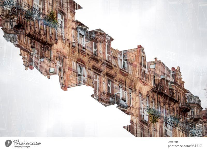 Altbauten Häusliches Leben Haus Gebäude Architektur Mauer Wand Fassade Balkon Fenster alt außergewöhnlich einzigartig verrückt chaotisch Perspektive