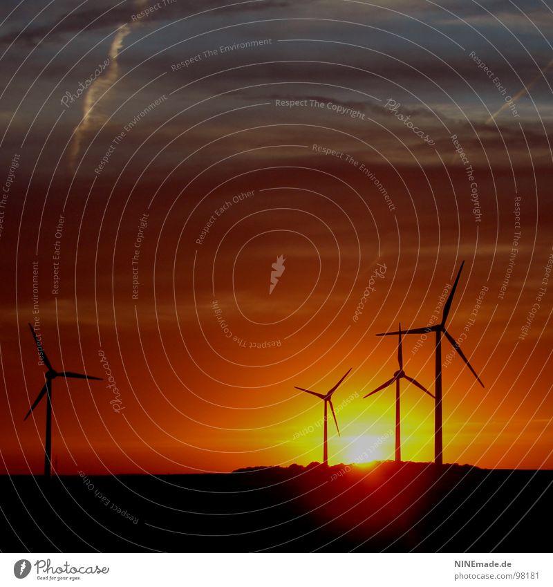 drei plus eins gleich romantik gelb drehen Quadrat Autobahn Sommer Wind Windkraftanlage Sonnenuntergang Romantik Wolken Abend schwarz Stimmung 4 erleuchten