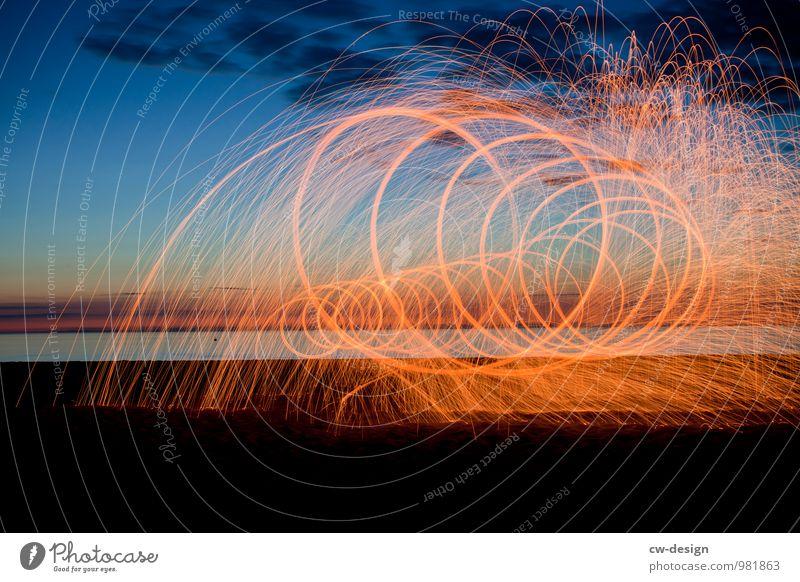 Zukunftsmalerei - Funkenfluglichtspielspirale am Strand Leuchtfeuer Küste Außenaufnahme Himmel Landschaft Farbfoto Natur Ferien & Urlaub & Reisen Tourismus