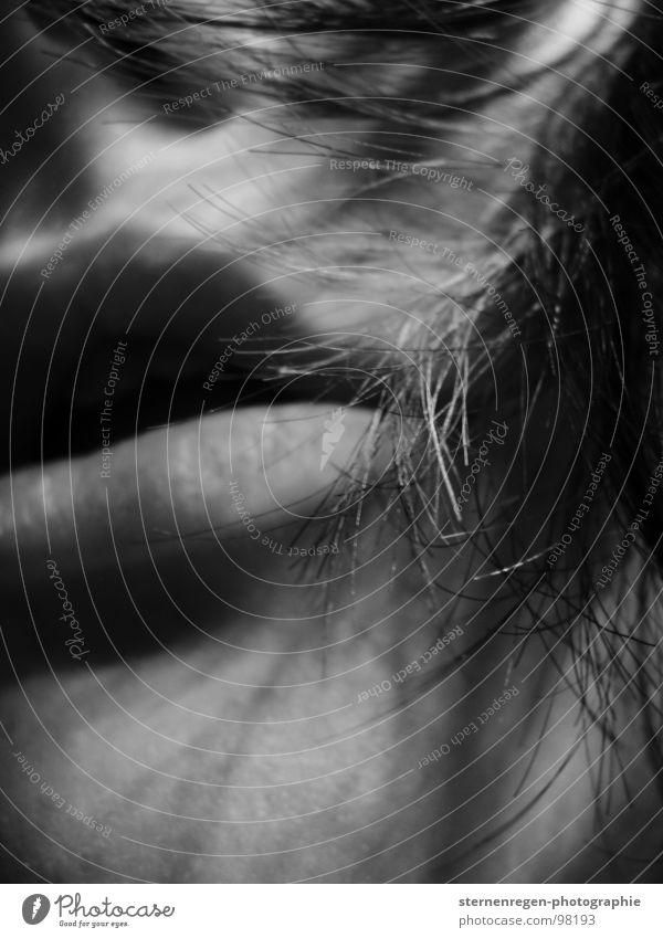 , Sehnsucht Selbstportrait Atem atmen Frau Frauengesicht Lippen dunkel Lust Makroaufnahme Nahaufnahme Angst Haare & Frisuren Mund Schwarzweißfoto