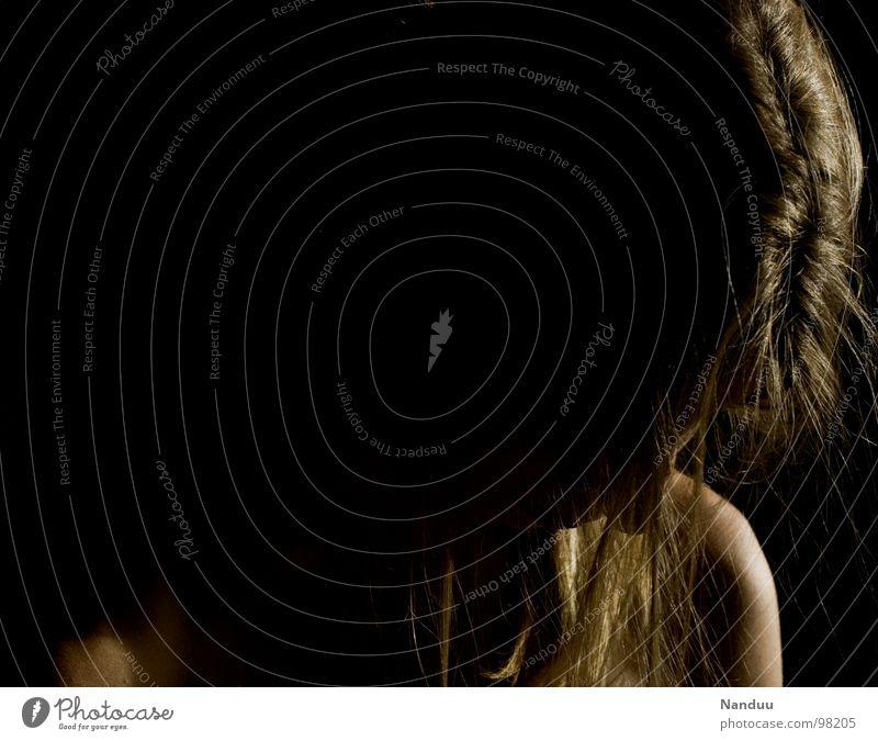 Demut Frau schön ruhig dunkel Erwachsene Traurigkeit Haare & Frisuren glänzend Kraft blond Trauer Gebet Schwäche Aufenthalt demütig Abendsonne