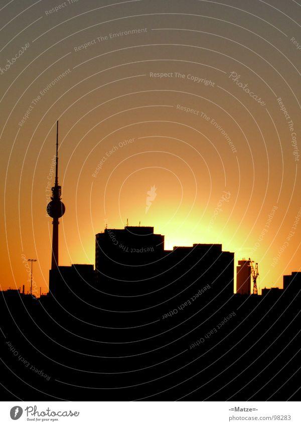 schwarz mit gelb schwarz gelb Berlin Turm Skyline Alexanderplatz