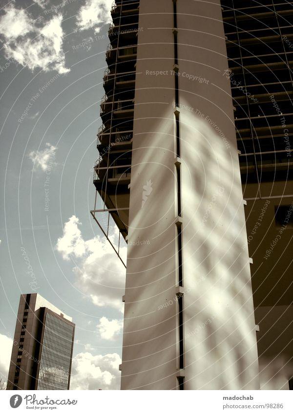 STELZENLÄUFER Himmel blau Stadt Wolken Haus Architektur Gebäude Fassade hoch Hochhaus groß Macht Häusliches Leben Niveau Etage Frankfurt am Main