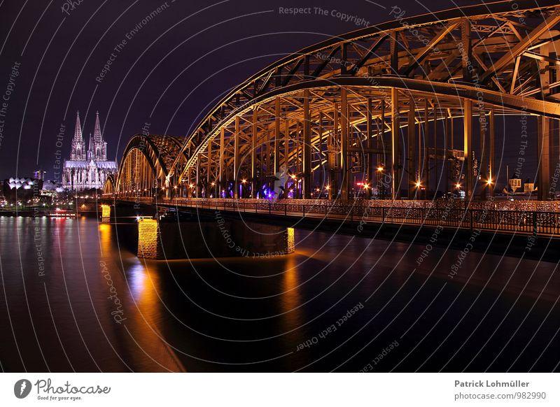 Hohenzollernbrücke Köln Architektur Umwelt Wasser Deutschland Europa Stadt Stadtzentrum Kirche Dom Brücke Bauwerk Sehenswürdigkeit Wahrzeichen Denkmal