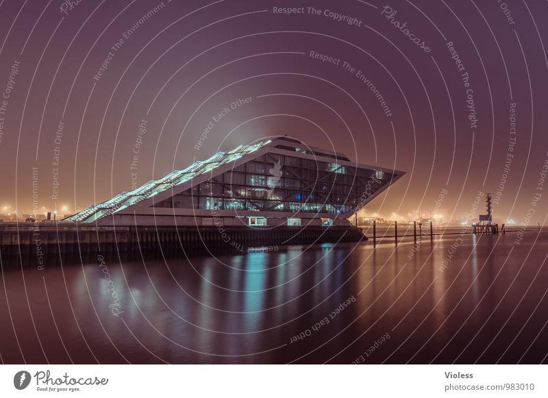 future world III Hafenstadt Bauwerk Gebäude Architektur Treppe Terrasse Sehenswürdigkeit Wahrzeichen ästhetisch außergewöhnlich dunkel skurril verfaulen Nacht