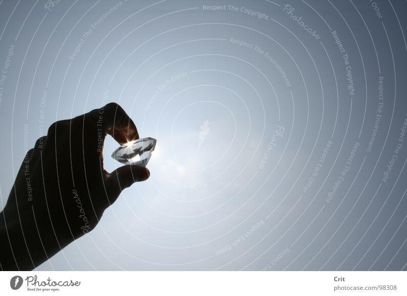 diamond Diamant Hand Himmel Luft Schmuck Reichtum god touch sky jewelry sieraad expensive money rich holding glass